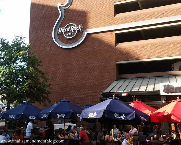 Hard Rock Cafe outdoor seating