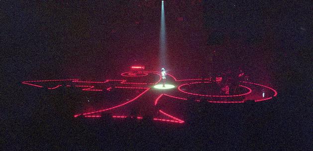 Prince_in_spotlight